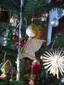 Engerl am Weihnachtsbaum